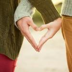 Soziale Beziehungen, Hand in Hand