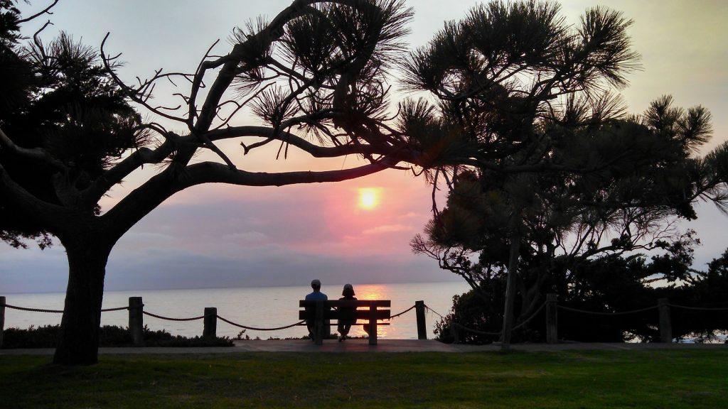 Dating bei Sonnenuntergang